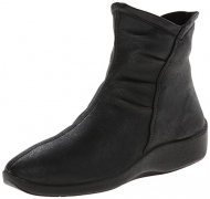 Arcopedico Women's L19 Boot Black 39 European.